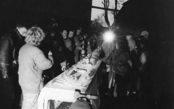71 Stół / Table - Quern (1989)