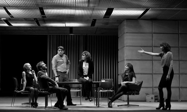 The opening scene of Alfredo Sanzol's Aventura! at the Teatre Lliure. Photo: David Ruano/Teatre Lliure.
