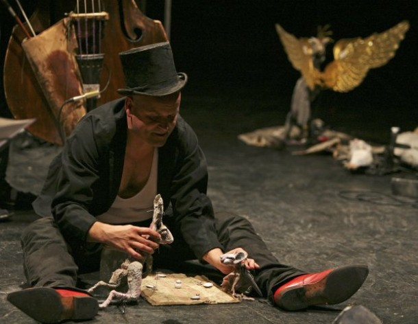 Carroll's Songs for Alice. Figurentheater Wilde und Vogel, Recklinghausen, 2013. Photo: Therese Stuber.