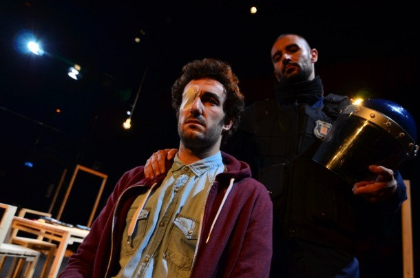 David (Alain Hernández) hovers over Ignacio (Miki Esparbé) in El rey tuerto (The One-Eyed King), written and directed by Marc Crehuet. Photo: Àngel Crehuet