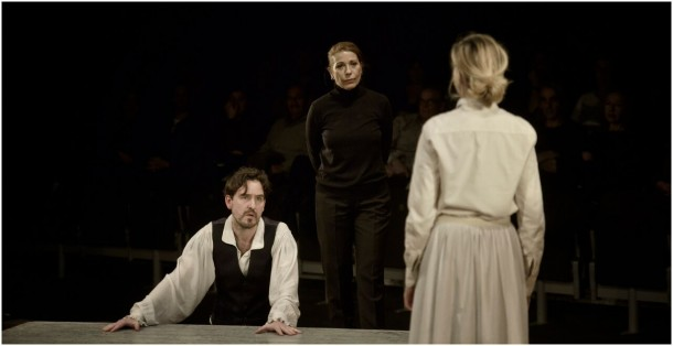 Infàmia by Pere Riera. Photo courtesy of the Villarroel Theatre.