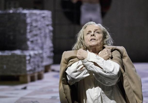 Marie Göranzon as King Lear. Photo credit: Micke Sandström.