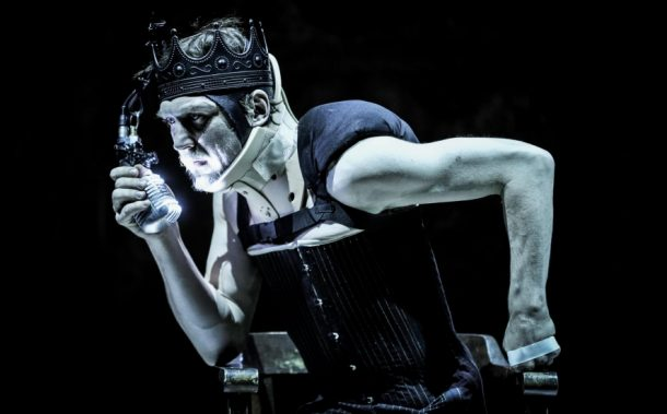 Lars Eidinger as Richard III in William Shakespeare's Richard III, directed by Thomas Ostermeier. Photo: Carno Declair.
