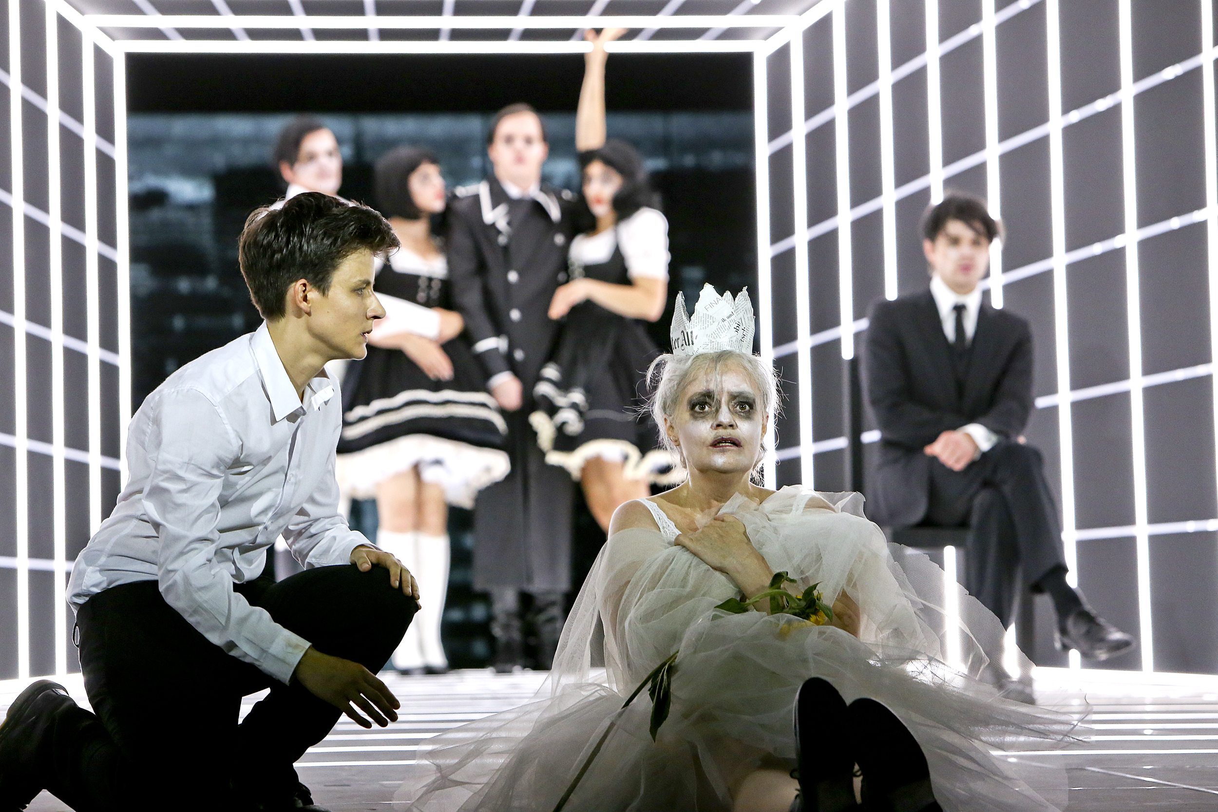 A Queen for a King! Tom Lanoye's <i>Königin Lear</i> at Schauspiel Frankfurt